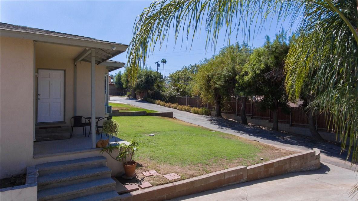 790 S Spanish Oak Lane, La Puente CA: http://media.crmls.org/medias/a5404a38-065f-4740-ae9f-6841c33d1e0d.jpg