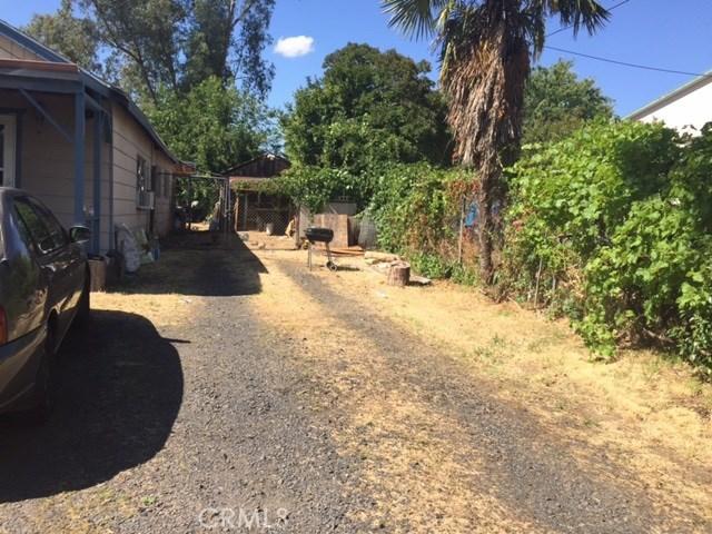 1128 Sierra Avenue, Oroville CA: http://media.crmls.org/medias/a548f66a-97ef-4568-9e75-76d2b099cc9d.jpg
