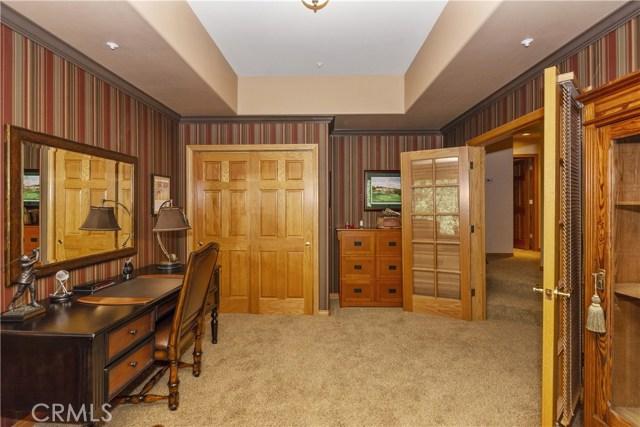 27537 W Shore Road, Lake Arrowhead CA: http://media.crmls.org/medias/a56e701b-9259-443b-8c63-11a9f7fdd9b3.jpg