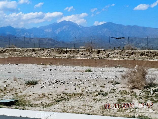 11339 Bald Eagle Lane, Desert Hot Springs CA: http://media.crmls.org/medias/a57be2a0-3782-4a48-8262-56f7cbe37f14.jpg
