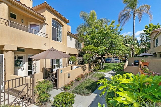 Detail Gallery Image 1 of 1 For 33 Windridge, Aliso Viejo,  CA 92656 - 3 Beds | 2/1 Baths