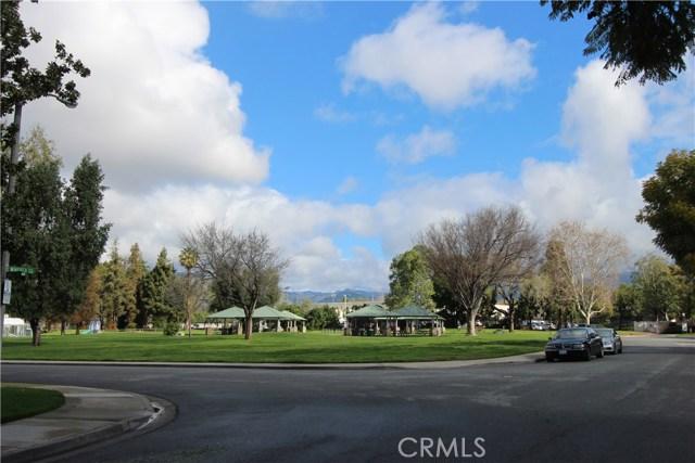 3008 Knollwood Avenue, La Verne CA: http://media.crmls.org/medias/a5b8b4c1-ec4f-4a2b-aabe-e427e4b9204d.jpg