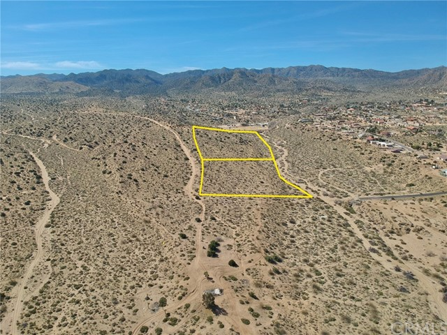 1234 Indio Avenue, Yucca Valley CA: http://media.crmls.org/medias/a5b9ffc6-fb0b-49bf-be32-be748dcf71b5.jpg