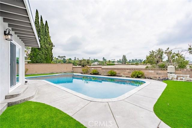 1730 La Mesa Oaks Drive, San Dimas CA: http://media.crmls.org/medias/a5d317e7-ba29-41d2-9723-56e82139842d.jpg