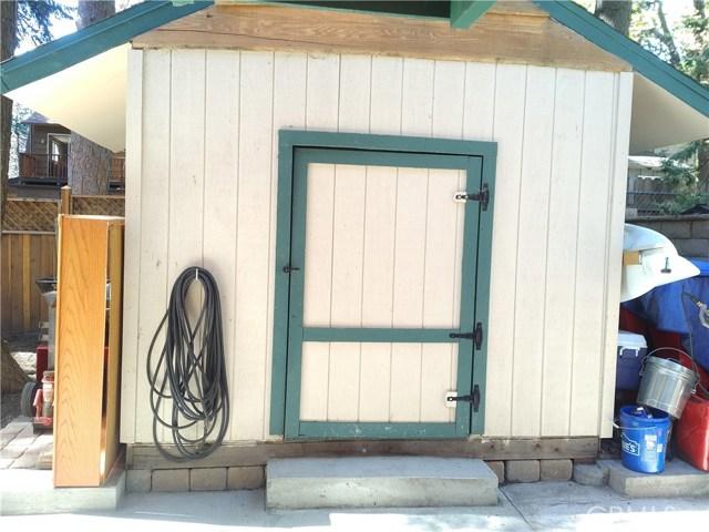 31465 Overhill Drive, Running Springs Area CA: http://media.crmls.org/medias/a5dbc909-2629-46e1-bf46-0965293c1639.jpg