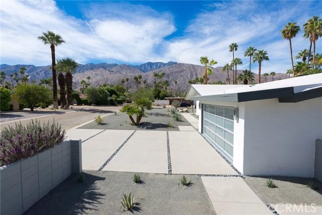 1166 S Sagebrush Road, Palm Springs CA: http://media.crmls.org/medias/a5dbfcda-fc72-4575-93b4-0ba446c19ecc.jpg