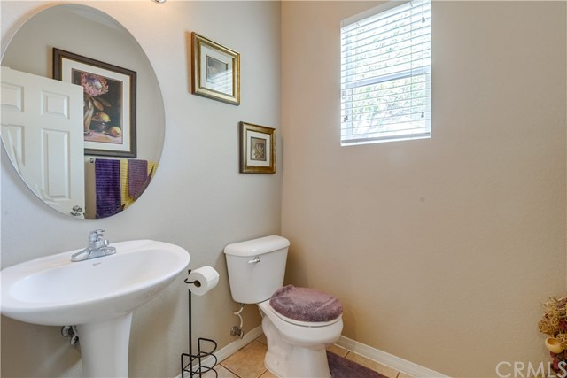 31991 Sugarbush Lane, Lake Elsinore CA: http://media.crmls.org/medias/a5dd0217-f7e9-44bc-83f6-f90959f1073b.jpg