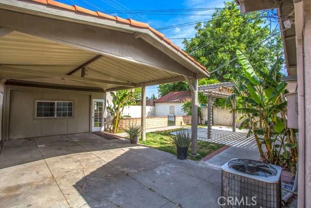 2821 N Arrowhead Avenue, San Bernardino CA: http://media.crmls.org/medias/a5e8bf47-f804-49c6-868d-5ed8e8f63baa.jpg