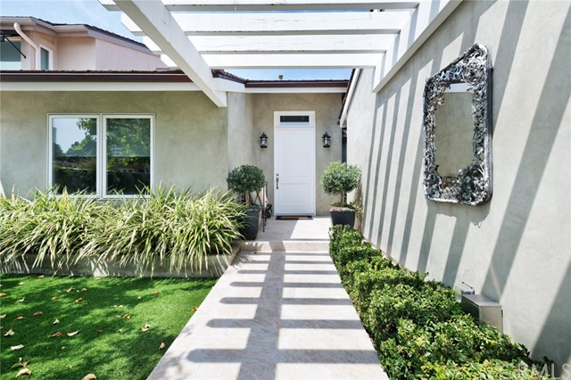 4 Rue Fontainbleau Newport Beach, CA 92660 - MLS #: NP18074444