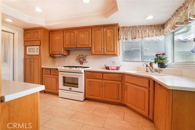 12363 Creekwood Avenue, Cerritos CA: http://media.crmls.org/medias/a5f9c30f-39f2-43b7-a1c4-16d9ddffd98a.jpg