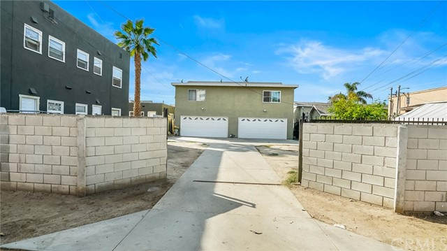 1440 Linden Avenue, Long Beach CA: http://media.crmls.org/medias/a5fb2837-7856-443b-b69d-7a2e6e311d3f.jpg