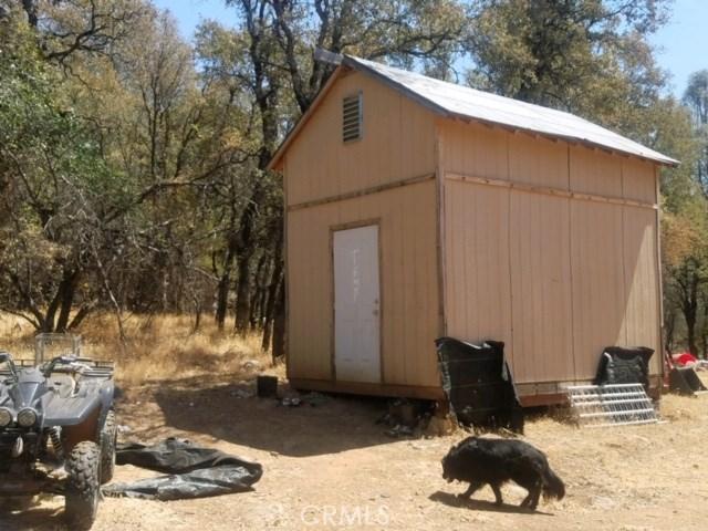61 Purple Rock, Oroville CA: http://media.crmls.org/medias/a60077e5-bcad-411b-b459-29ed82855cda.jpg