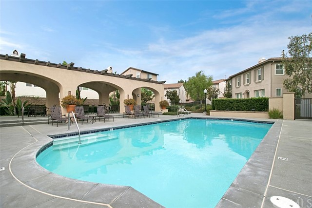 8216 E Loftwood Lane, Orange CA: http://media.crmls.org/medias/a6053fb5-6747-4ba7-b6e3-c5472d7e95c2.jpg