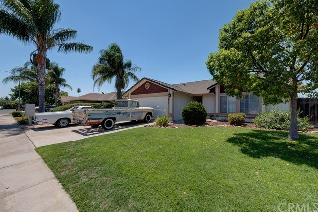 Detail Gallery Image 1 of 20 For 1933 Canal Dr, Atwater,  CA 95301 - 3 Beds | 2 Baths