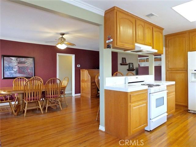 5943 Eastbrook Avenue, Lakewood CA: http://media.crmls.org/medias/a608b672-801b-4c57-81f2-9bf39bdc4045.jpg