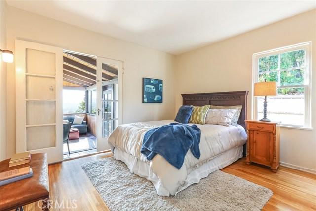 1661 La Cresta Drive, Pasadena CA: http://media.crmls.org/medias/a61b76ab-8922-411c-aaf9-751807ec30f3.jpg