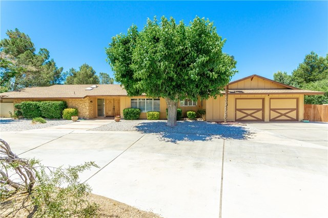 19375 Oshkosh Road Apple Valley CA 92307