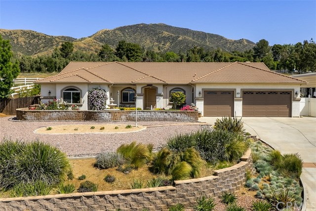 Single Family Home for Sale at 38574 Jenni Lisa Court Cherry Valley, California 92223 United States
