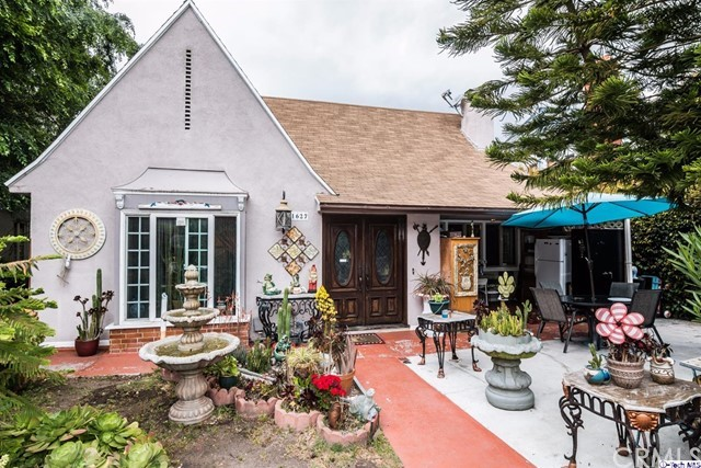 Single Family Home for Sale at 1627 Verdugo Road N Glendale, California 91208 United States