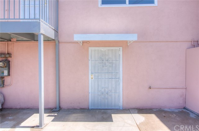 7817 S Western Avenue, Los Angeles CA: http://media.crmls.org/medias/a63aec86-168a-4c5d-80b7-cd844cfd0d68.jpg