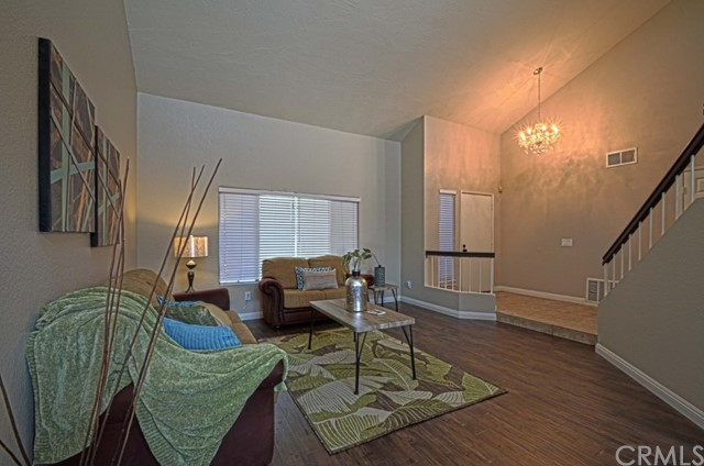 12552 Arlington Place, Chino CA: http://media.crmls.org/medias/a63ed750-90c6-4c6a-bb7b-8561edc785bf.jpg