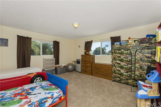 1645 Alston Avenue, Colton CA: http://media.crmls.org/medias/a64eff64-feb7-4361-8270-8a50e4565656.jpg