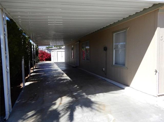 32107 Cody Avenue, Thousand Palms CA: http://media.crmls.org/medias/a6514594-8a11-4658-8bf4-ead2c6b5d47f.jpg