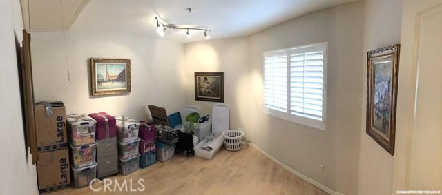 420 Lake Street, Huntington Beach CA: http://media.crmls.org/medias/a6597d7e-4344-4742-98ba-c3cf3bda1dc5.jpg