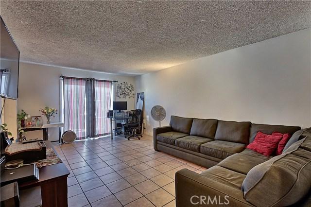 2077 Wallace Avenue, Costa Mesa CA: http://media.crmls.org/medias/a65b5e52-89a3-41e8-9179-2eefd6221703.jpg