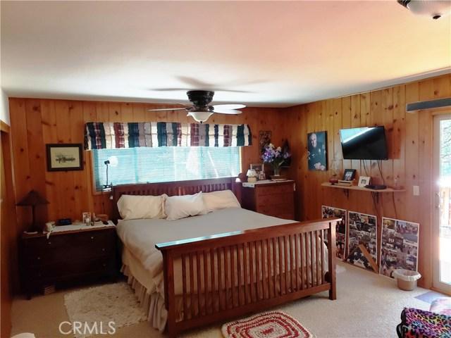 615 Pioneer Road, Lake Arrowhead CA: http://media.crmls.org/medias/a65c0bf9-b000-4751-af24-9486d9160411.jpg