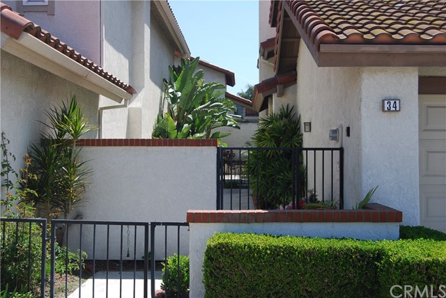 Single Family Home for Rent at 34 Filare Irvine, California 92620 United States