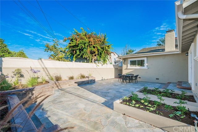 3711 E Harding Street, Long Beach CA: http://media.crmls.org/medias/a666dd03-d8d4-4e4b-a3a9-9a4e8df6bc7e.jpg