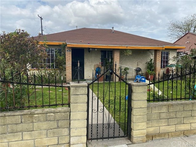 Detail Gallery Image 1 of 2 For 1013 S Central Ave, Compton,  CA 90220 - 4 Beds   2 Baths