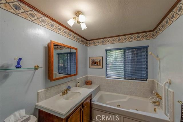 15555 Nopel Avenue, Forest Ranch CA: http://media.crmls.org/medias/a698270a-8cd6-419f-bea2-00802756066e.jpg