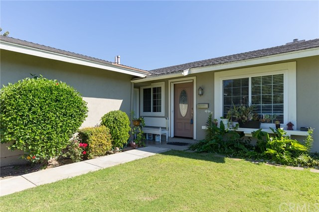 4110 E Addington Dr, Anaheim, CA 92807 Photo 2