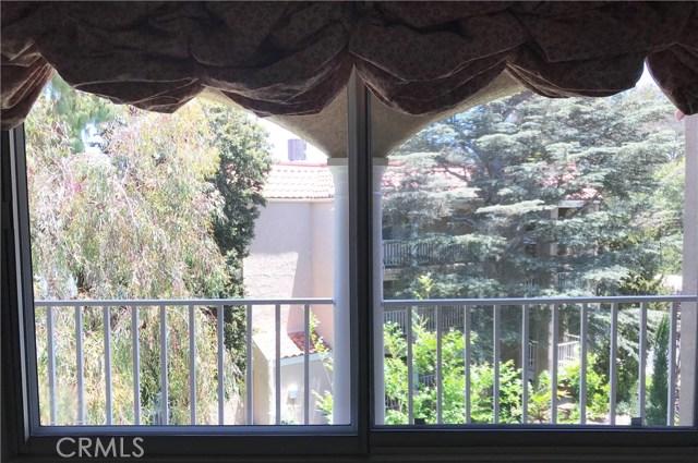 4002 Calle Sonora, Laguna Woods CA: http://media.crmls.org/medias/a6b7a73b-d06e-4313-aa7d-9507fa20d7c6.jpg