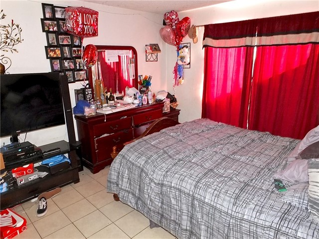 209 E South St, Long Beach, CA 90805 Photo 28