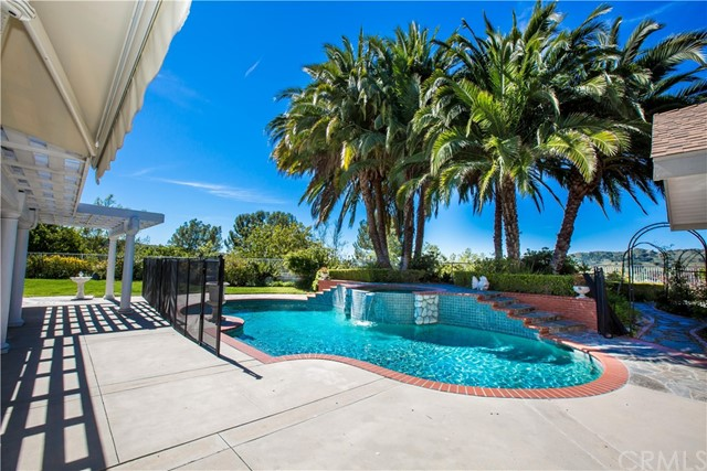2 Vintage Way , CA 92679 is listed for sale as MLS Listing OC18168709