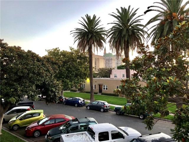 100 Cerritos Avenue, Long Beach CA: http://media.crmls.org/medias/a6db83a4-9c95-4b53-9706-358b0864383f.jpg