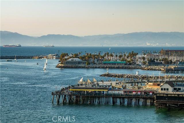 531 Esplanade, Redondo Beach CA: http://media.crmls.org/medias/a6e52de6-7b89-427f-93bd-5f624fca14e0.jpg