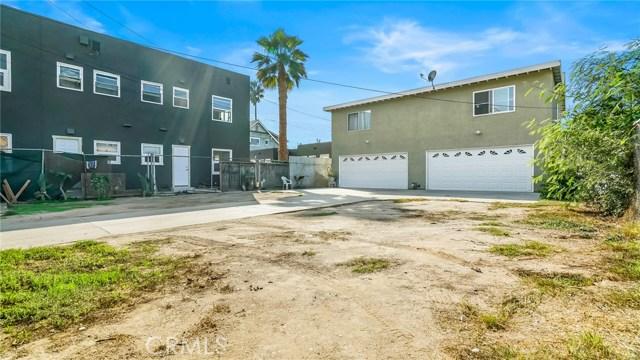 1440 Linden Avenue, Long Beach CA: http://media.crmls.org/medias/a6e60433-d566-4c10-a505-e260d224aedd.jpg