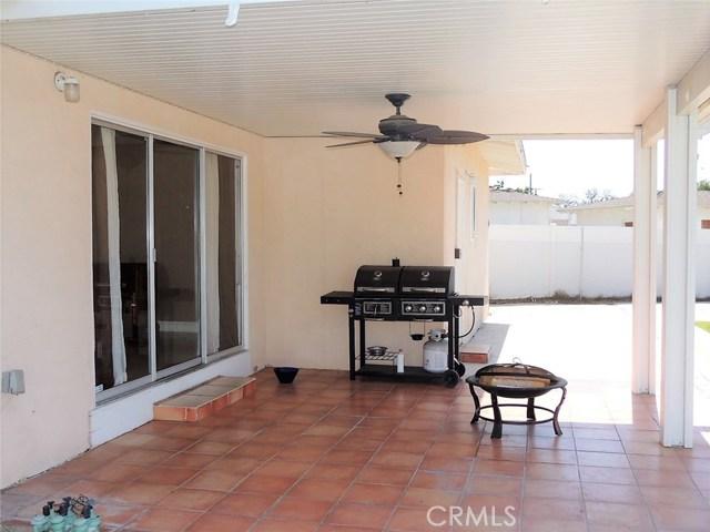 17451 Pine Avenue Fontana, CA 92335 - MLS #: CV17138556