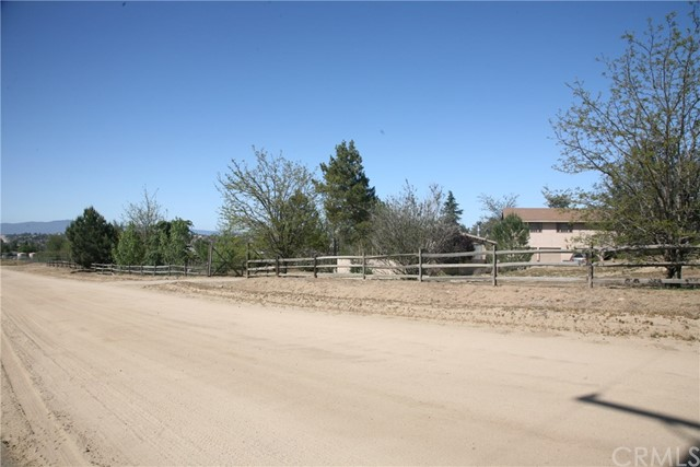 40725 Brook Trails Way, Aguanga CA: http://media.crmls.org/medias/a6fb744d-11e3-475a-9d07-bfa63548f599.jpg