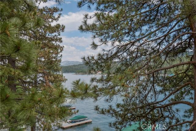 27433 N Bay Road, Lake Arrowhead CA: http://media.crmls.org/medias/a70a6a45-3a75-4844-a5a9-ae87b05d916f.jpg