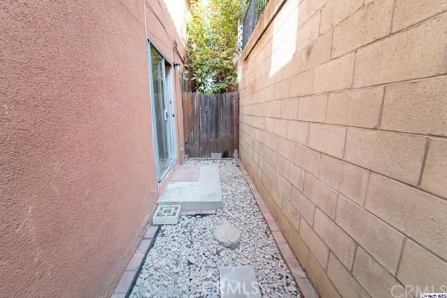 420 Ivy Street, Glendale CA: http://media.crmls.org/medias/a71f9120-bb4d-4e0f-a065-4d1a9192a8aa.jpg