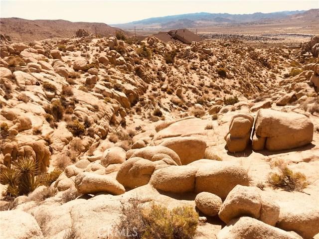 57557 Manzanita Drive, Yucca Valley CA: http://media.crmls.org/medias/a72034ba-ce0b-4470-912e-aff4b05bb95f.jpg