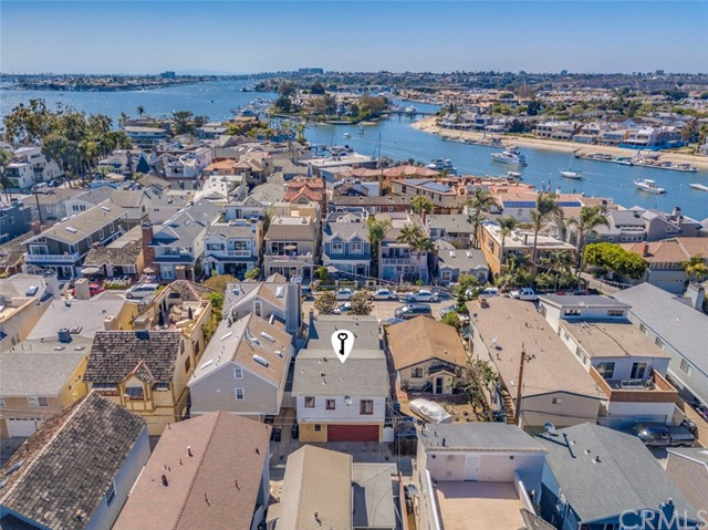 214 Garnet Avenue, Newport Beach, CA 92662