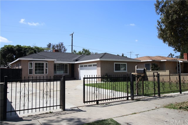 Single Family Home for Sale at 1314 10th Street W Santa Ana, California 92703 United States