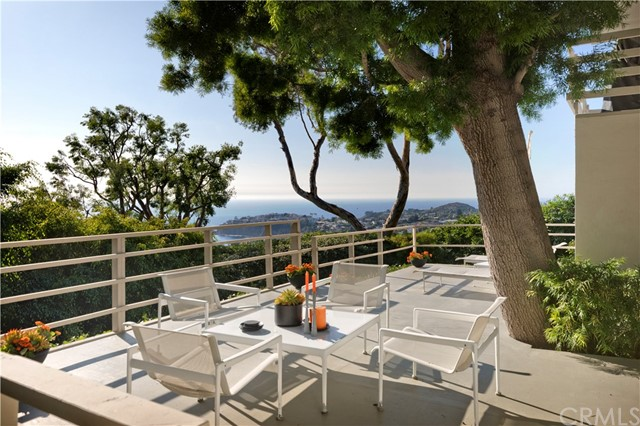 1639 Eleanor Lane, Laguna Beach CA: http://media.crmls.org/medias/a75de2d0-6408-4b85-acf5-ca8b58ea5aa9.jpg