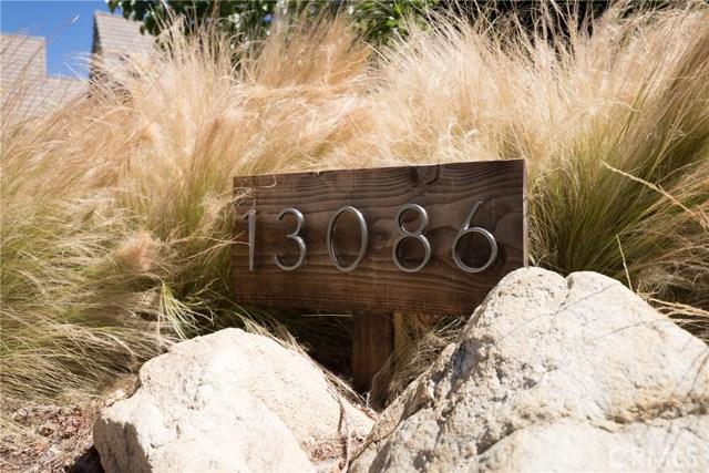 13086 Oak Crest Drive, Yucaipa CA: http://media.crmls.org/medias/a7660ff6-efef-4172-b0bc-5848d38ad90a.jpg
